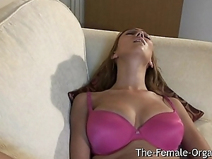Big Naturals, Fleshy Slit and Orgasm Contractions