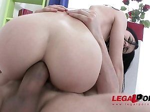 Hot slut Crystal Greenvelle gangbang with 4 fellows and 4 cum swallows