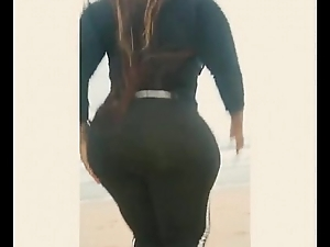 eudoxieyao African girl with huge voluptuous body