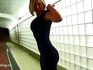 Well-muscled girl no panties hard exasperation moment in throw up PublicFlashing.me