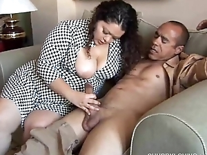 Pretty latina plumper likes sucking cock &amp_ a difficulty leaning of cum