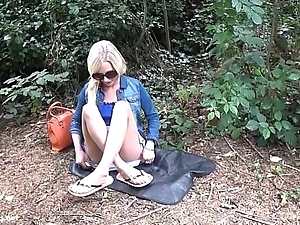 Downcast blonde Debbies public flashing and outdoor babes masturbation in parks for
