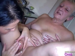 Katie makes granny cum for her